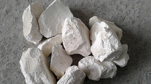 生石灰改良土壤很有效,但要做对这四点